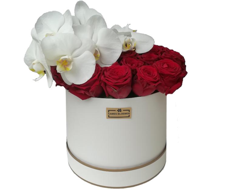 flower box rond met rood roos en orchidee kames bloemen. Black Bedroom Furniture Sets. Home Design Ideas